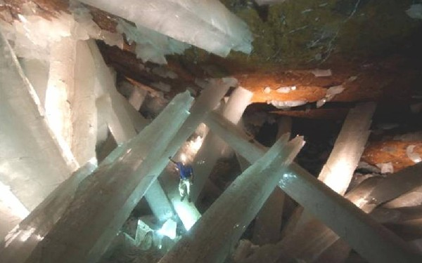 Crystal Cave of Giants in Mexico